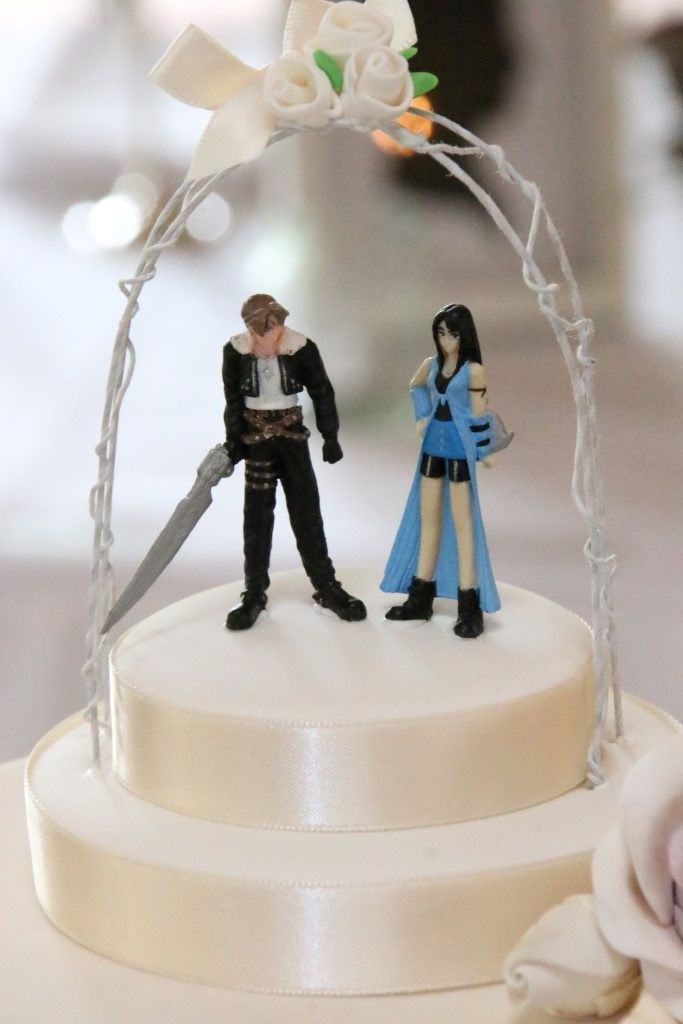 Final Fantasy Viii Squall And Rinoa Wedding Cake Toppers