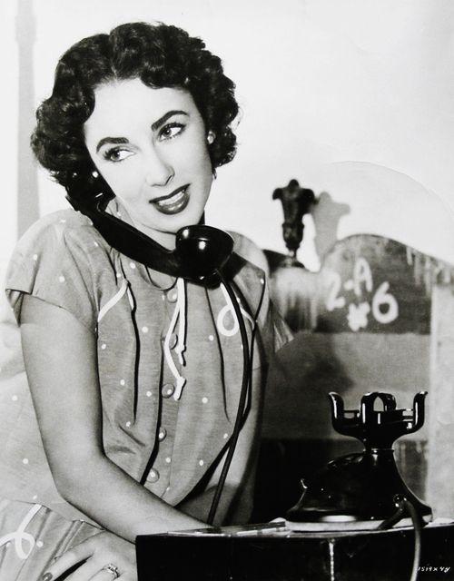 Elizabeth Taylor takes a call