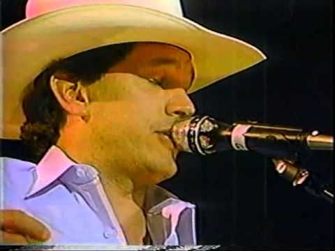 George Strait 1987 Country Awards Sings All My Ex S Live In