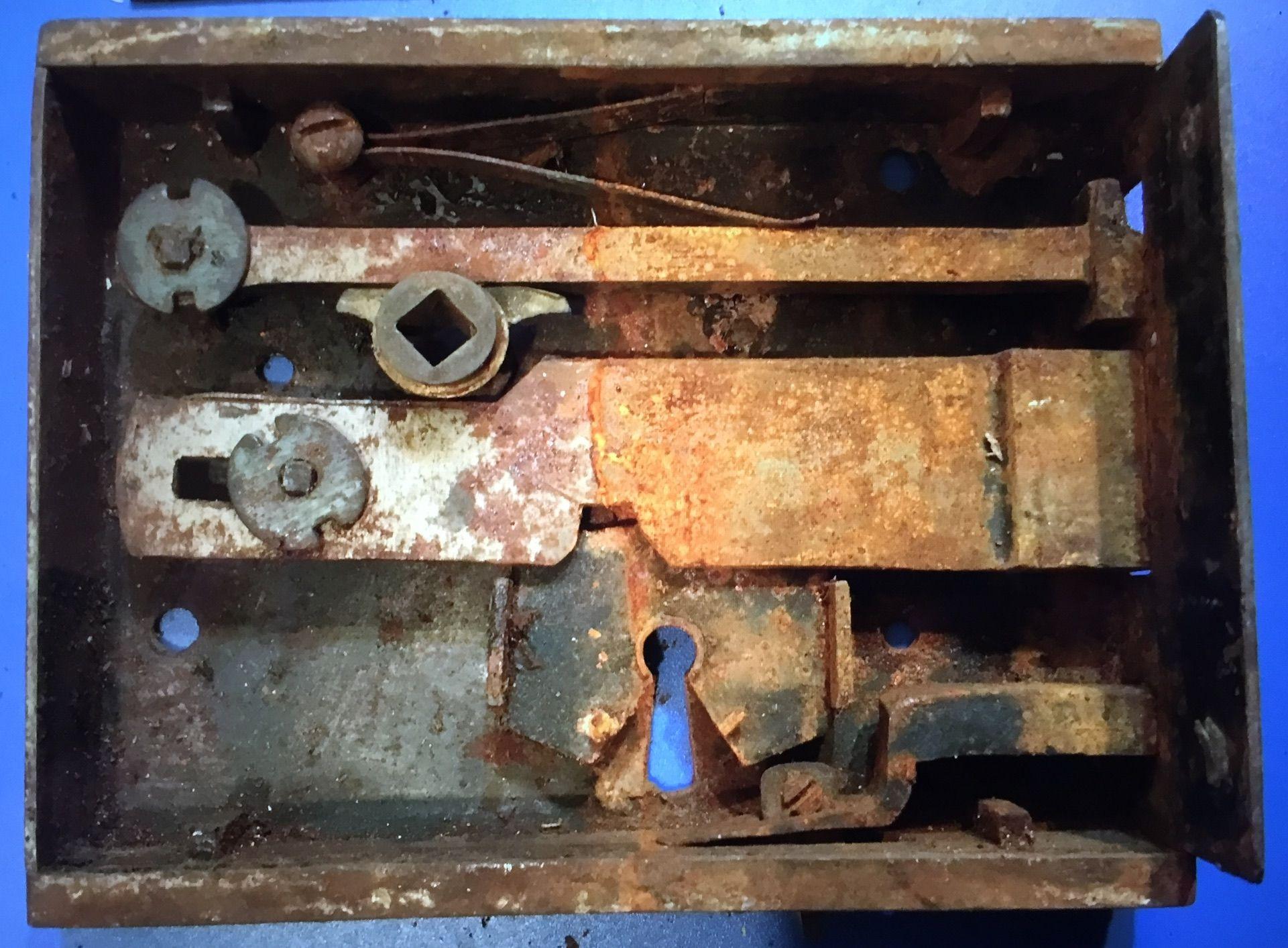 Inside A Jas Carpenter No 60 Rim Lock Before Renovation Patio Doors Patio Door Locks Replacement Patio Doors