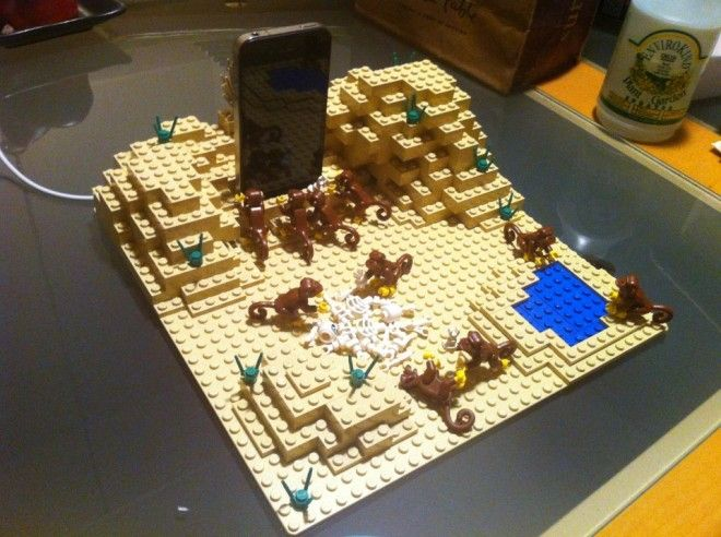 A Space Odyssey Scene in LEGO as iPhone Dock. Awesome.