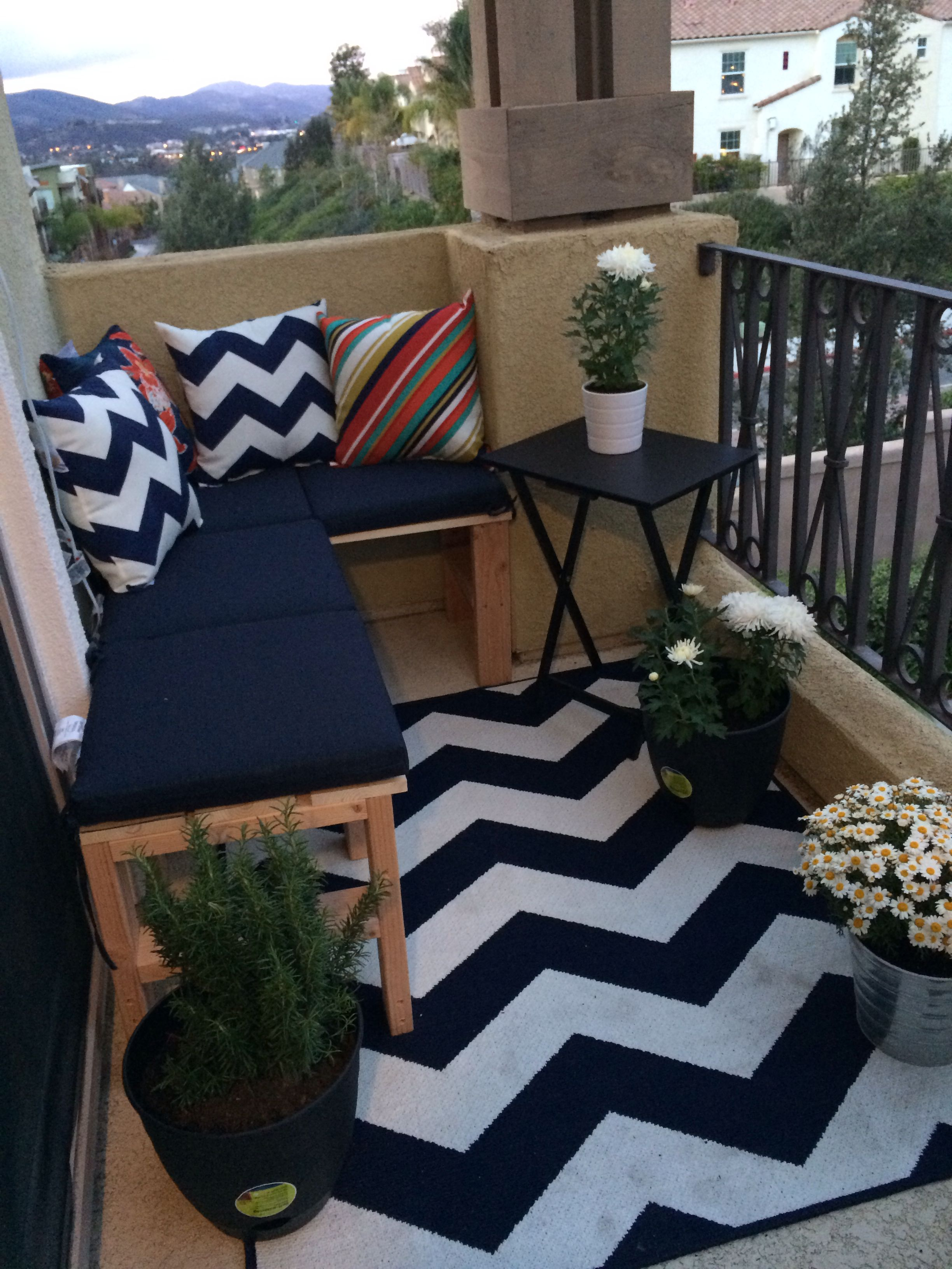 outdoor small patio balcony sectional never mind the dirt on the rug it got cleaned when it rained - Apartment Patio