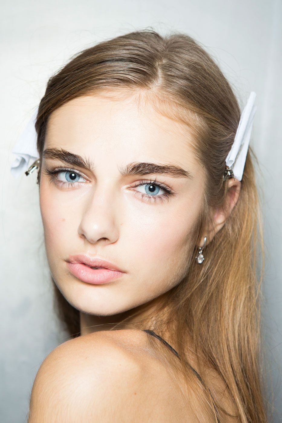 Clarifying Cleanser Thick eyebrows, Tweezing eyebrows