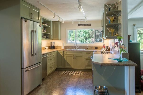 Simple This Mobile Home Kitchen Renovation will Make you Jealous mobilehomekitchens Unique - Review kitchen renovation pictures Trending