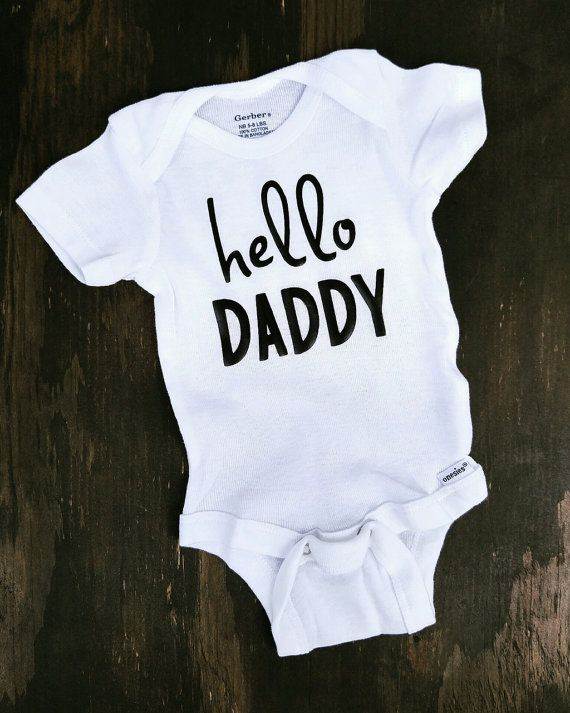 130d3a80b Hello Daddy Onesie FREE SHIPPING. This onesie is the perfect way to tell  your man that you're expecting! #pregnancyannouncement #newdad #newmom # pregnant ...
