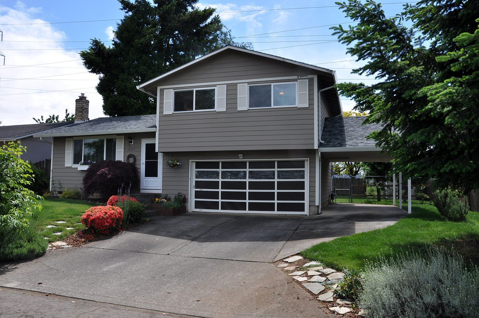Amazing Front Porch Designs For Split Level Homes