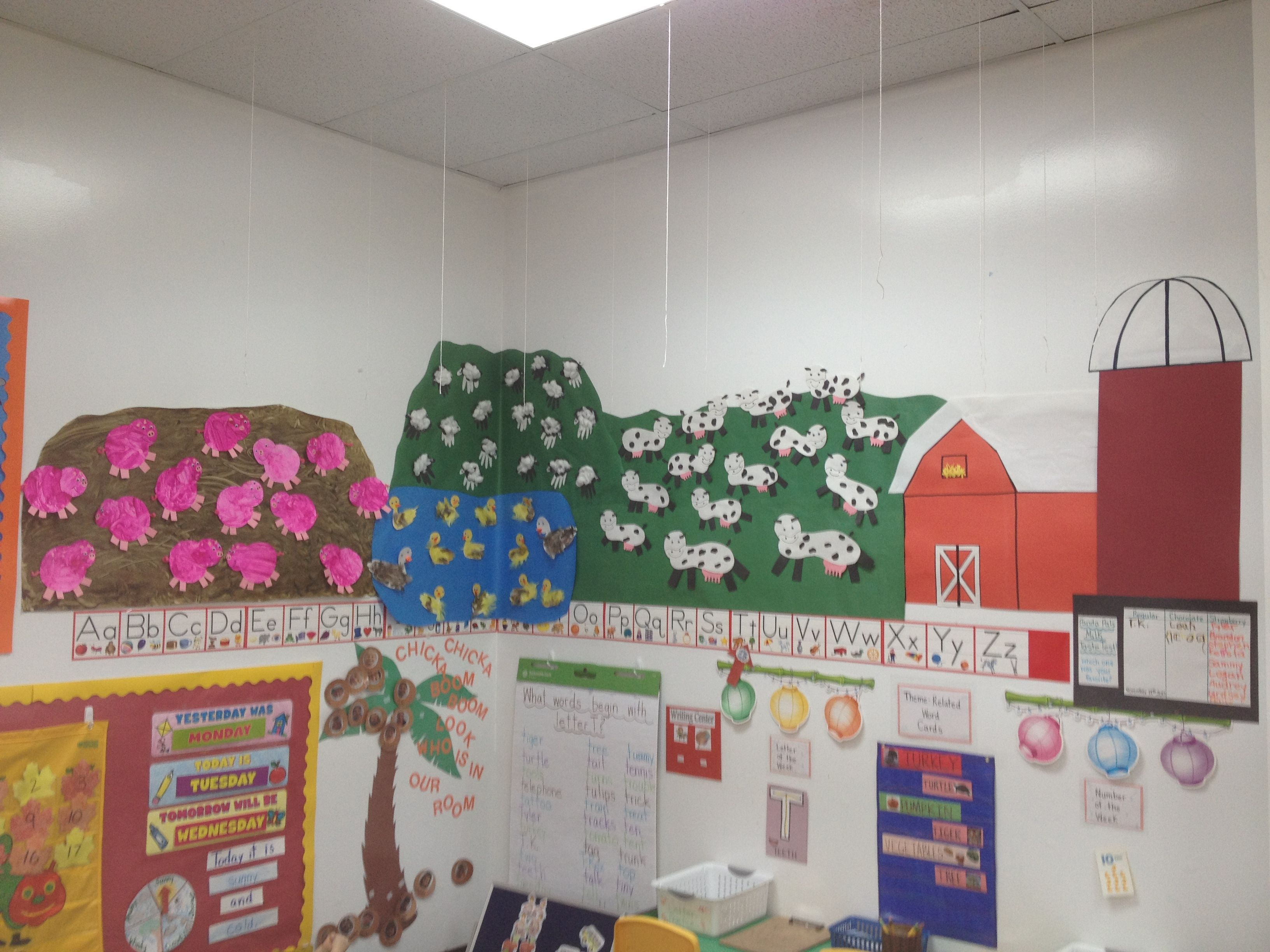 Preschool Classroom Farm Display