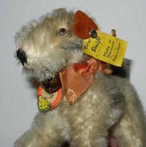 Steiff-Hund-Foxy-ca-9cm-gross-mit-KFS