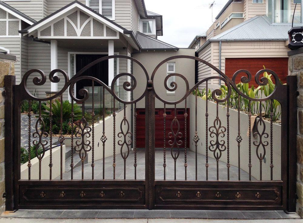 A Unique Wrought Iron Gate By Adoore Iron Designs Located In Melbourne Australia Rejas Para Casas Modernas Disenos De Puertas Metalicas Puertas Para Patios