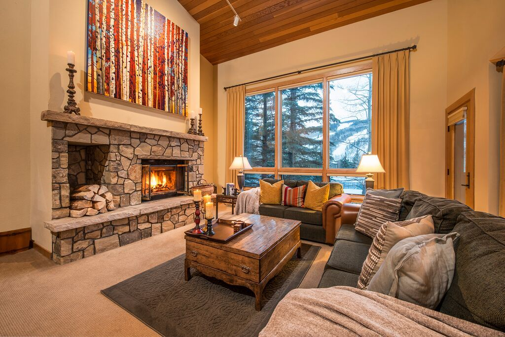 High ceilings and expansive views accent this 2,934 SF luxury home located in the heart of Vail, CO. #vailrealestate #vailliving #vailproperties