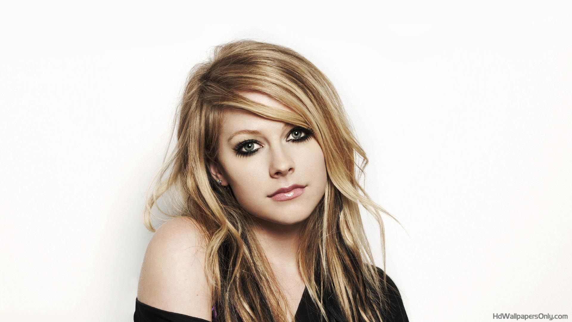 Avril Lavigne HD Wallpapers Free Download Here TechBeasts