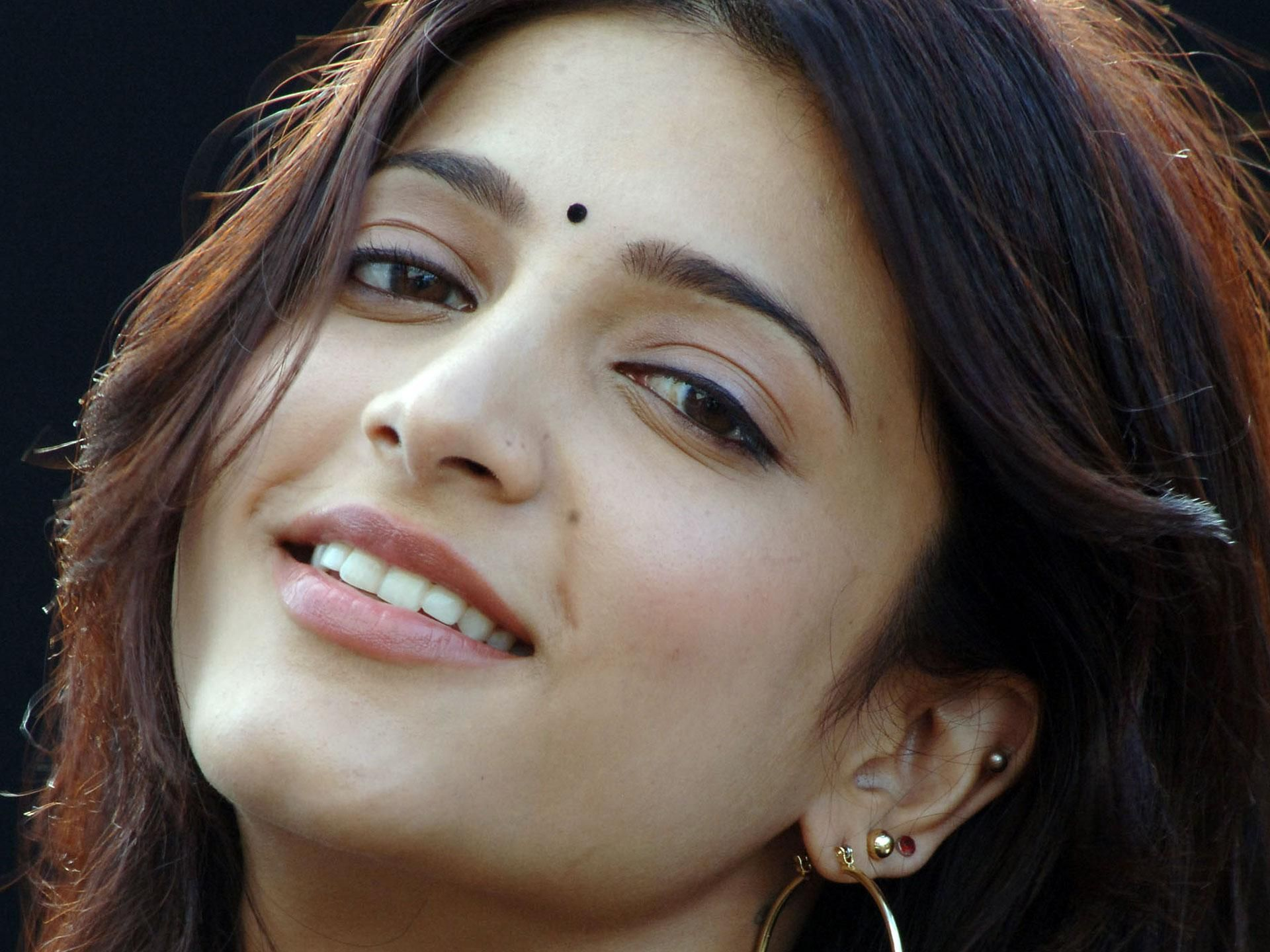 shruthi hassan - Google Search | Shruti Haasan - Hottest Babe In ...