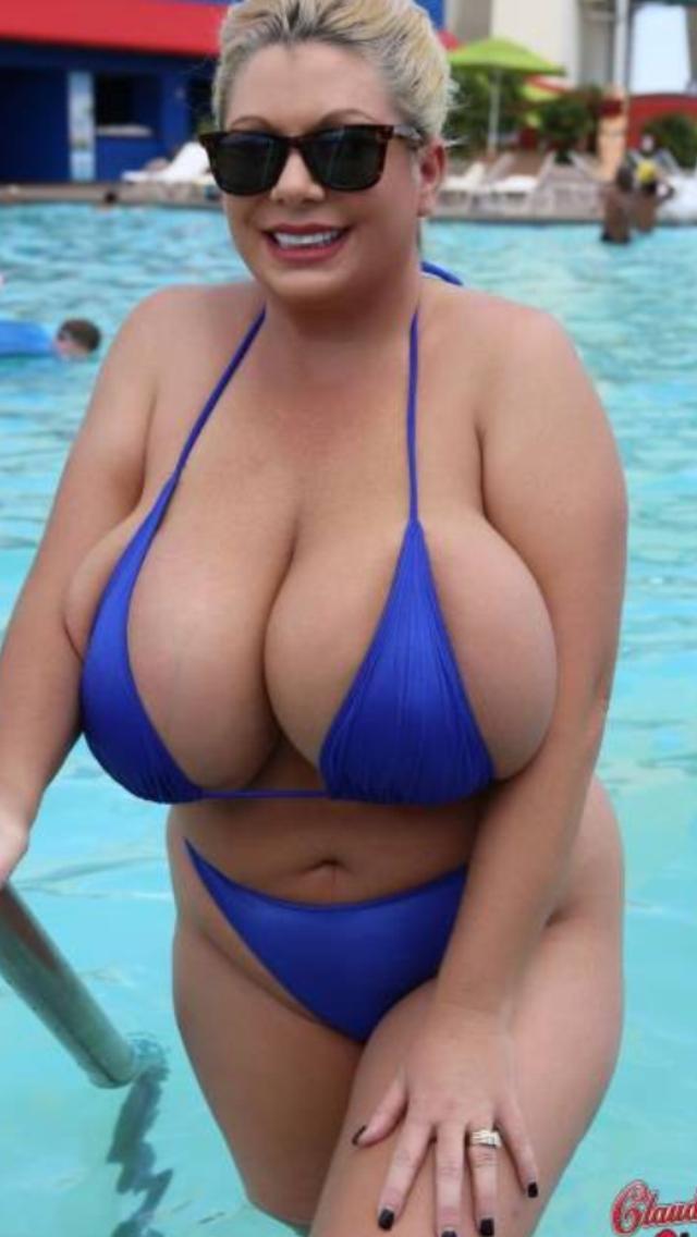 Nude girl of american reunion