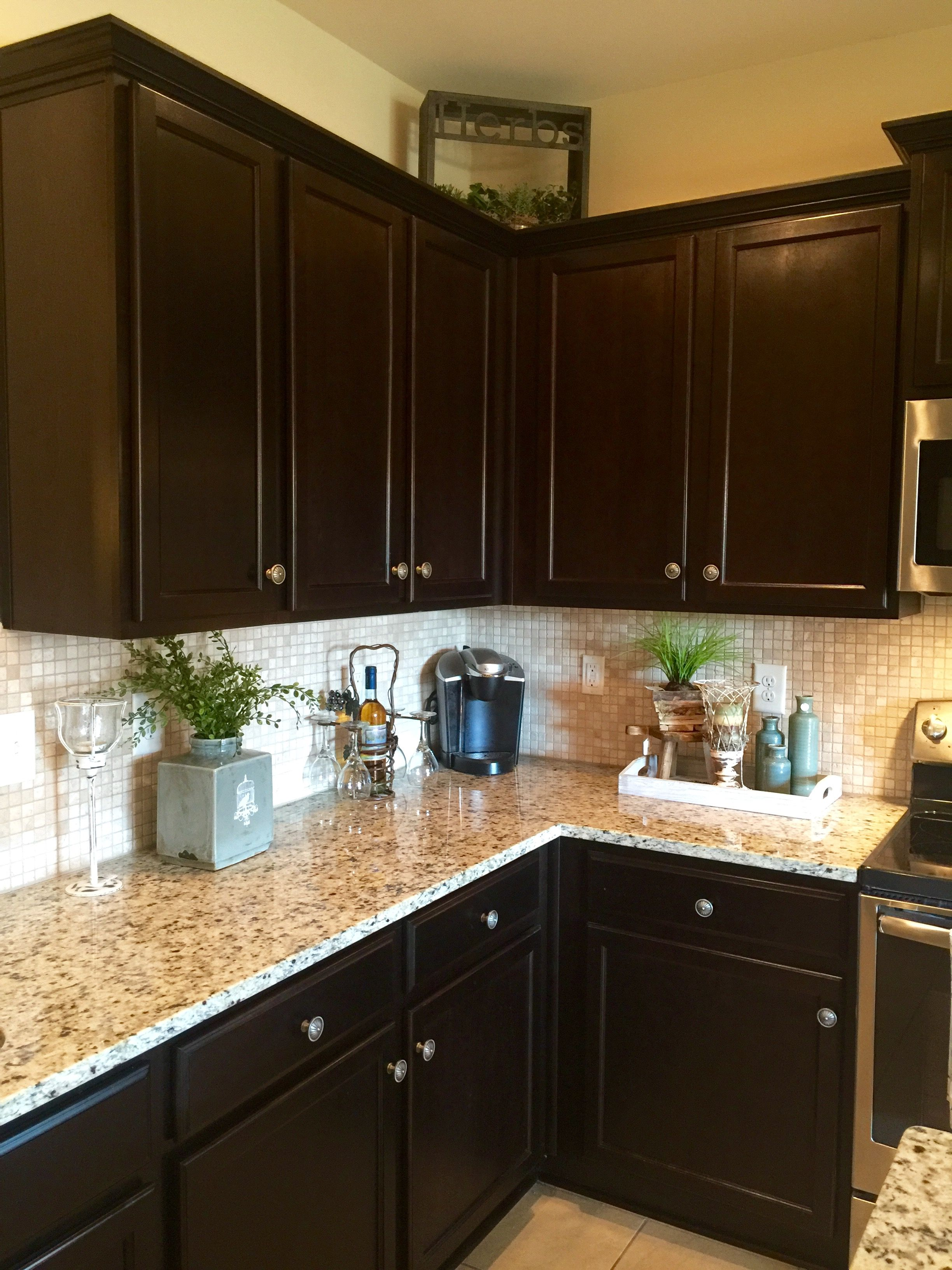 a traditional decorated kitchen blessyourheartofalabama homedecor homedecorating decor with on kitchen decor grey cabinets id=77480