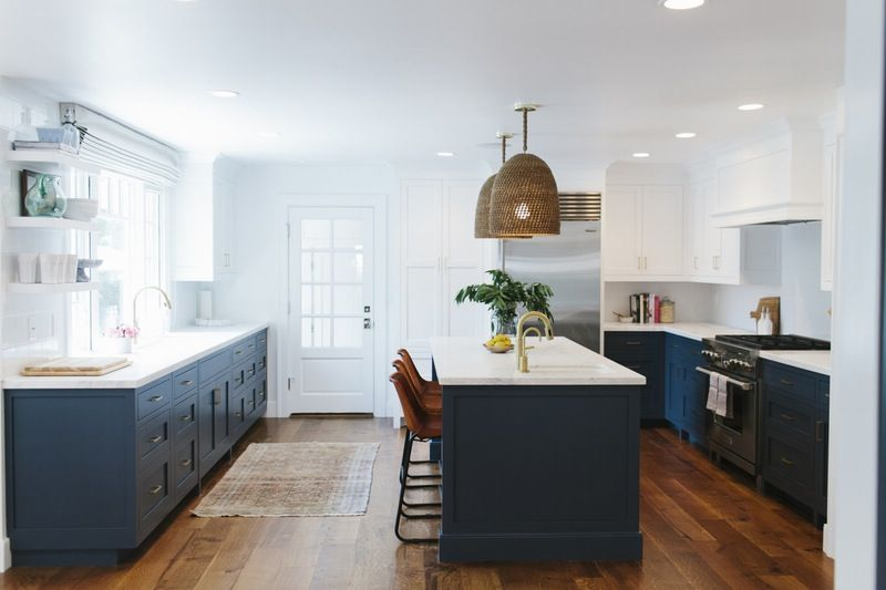 Nautical Rooms Done Right Fresh Takes On Seaside Style Navy Blue Kitchen Cabinets White Kitchen Design Blue Kitchen Cabinets