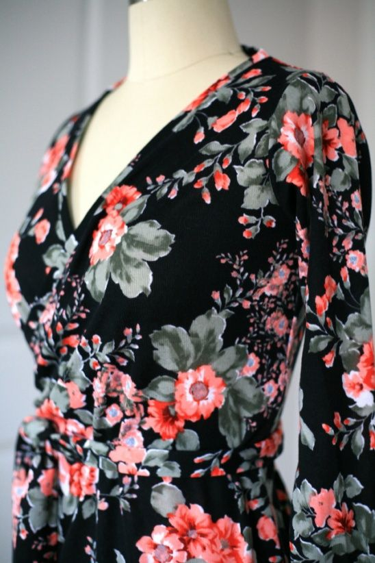 Beautiful floral maxi dress made out of a Seamingly Smitten pattern ...