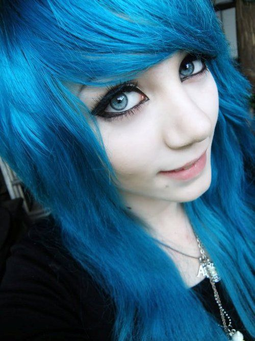 Pretty Girls With Blue Hair our emo/scene queen . ...