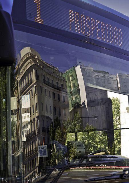 Reflejo en autobus / Reflection in bus (Madrid)    www.vicentemendez.com