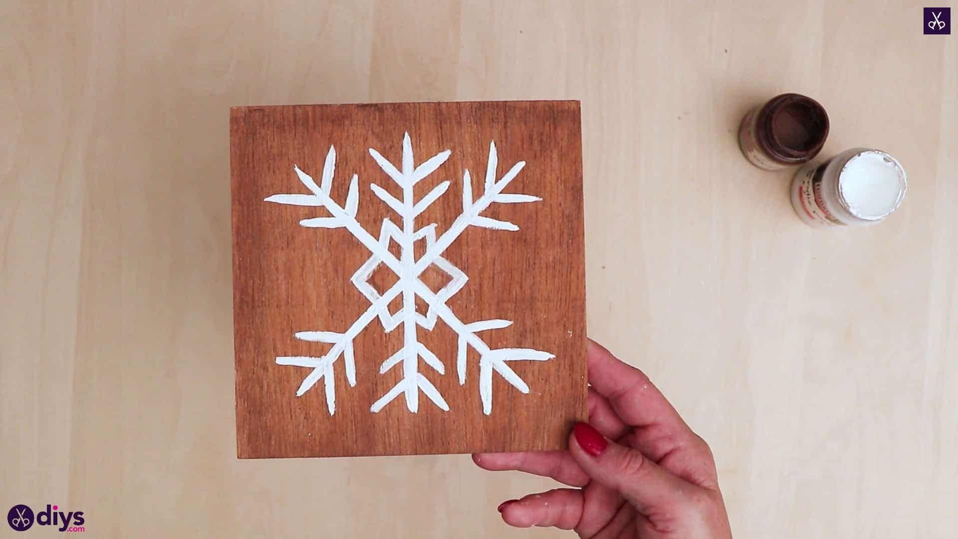 DIY Snowflake Art Christmas Decoration #floconsdeneigeenpapier