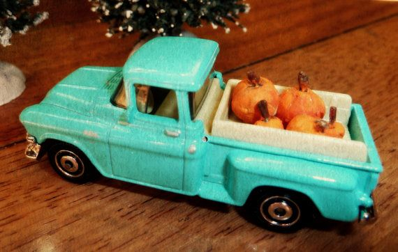 Fall decor for a small space payload of pumpkins by SueSouk on Etsy - decorate your car for halloween
