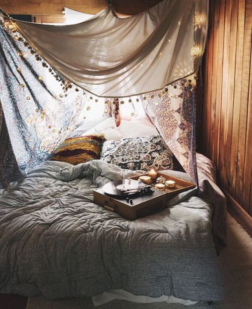 Hipster bedroom bohemian in love hippy boho fashion boho for Bed styling ideas