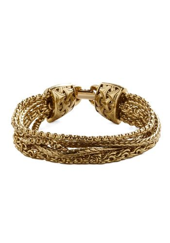 I love this gold chain bracelet, it would be great for adding a little dress up to a casual outfit.