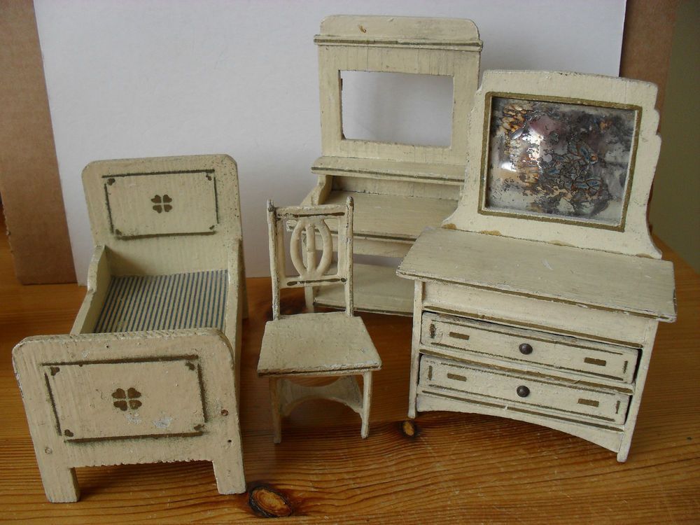Perfect Vintage German Dolls House Bedroom Furniture. Gottschalk?
