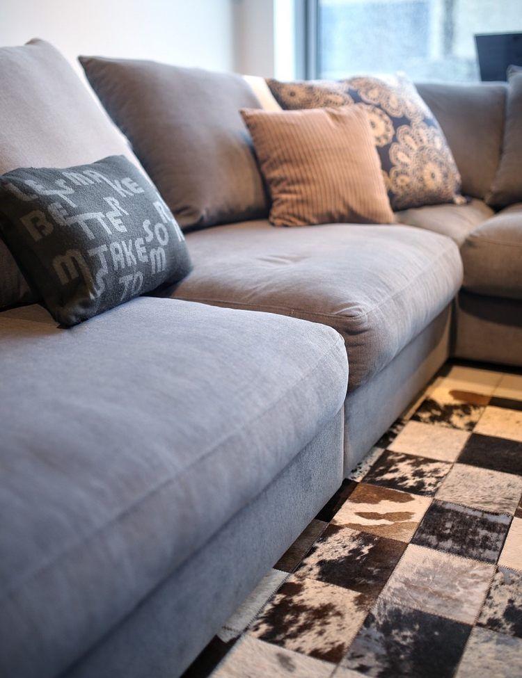 10 Einrichtungstipps Für Ein Stilvolles Wohnzimmer. Einrichtungstipps    Kissen. Teppiche Und Polster Geschmackvoll Kombinieren