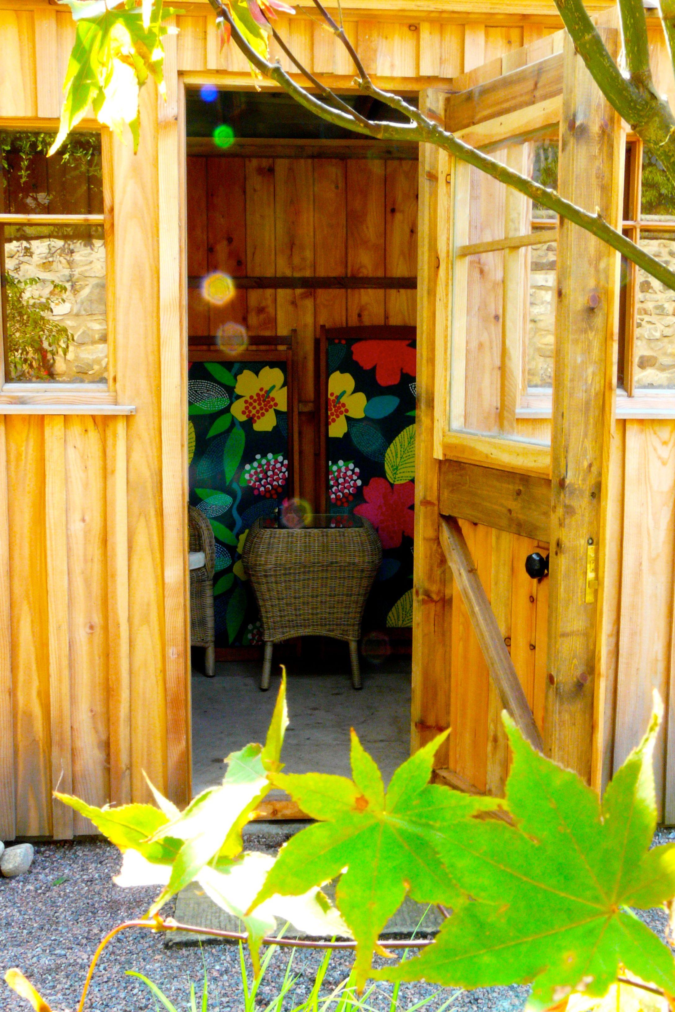 bespoke garden shed garden designed by carolyn grohmann wwwsecretgardensdesignco - Garden Sheds Edinburgh