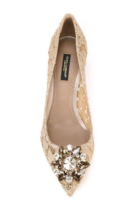 bc975bd4ef5a Dolce   Gabbana - Escarpins en dentelle coloris soie brute