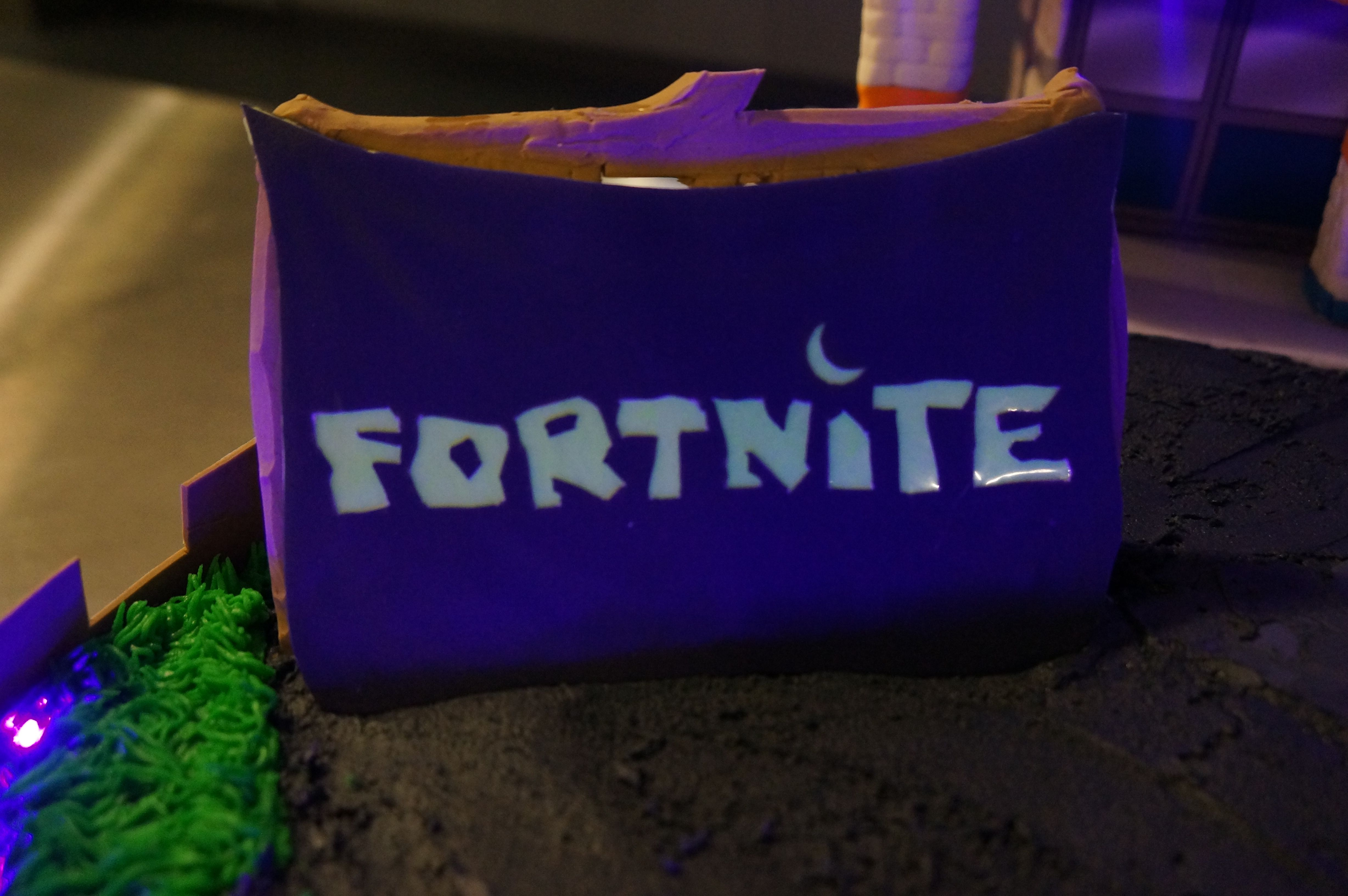 Behind The Amazing Fortnite Cake Epic Games Community