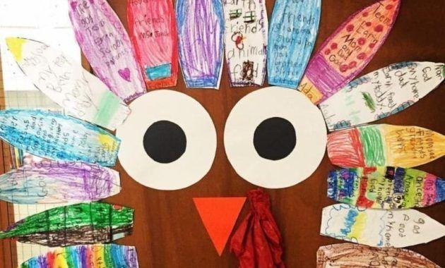 42 Amazing Fall Door Decoration Ideas for the Classroom #falldoordecorationsclassroom #falldoordecorationsclassroom 42 Amazing Fall Door Decoration Ideas for the Classroom #falldoordecorationsclassroom #halloweenclassroomdoor