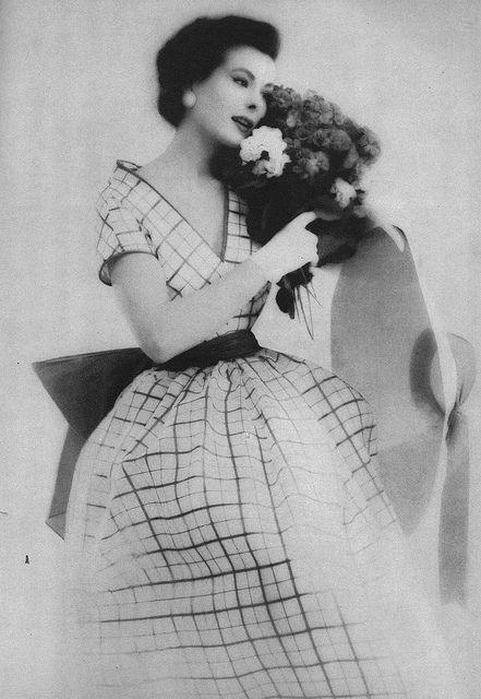 April Vogue 1952 by Roger Prigent