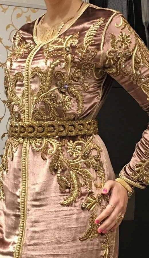 ثوب الموبرة الراقي تشكيلة من أجمل موديلات القفطان بثوب الموبرة Coftan Moroccan Dress Moroccan Fashion Moroccan Caftan