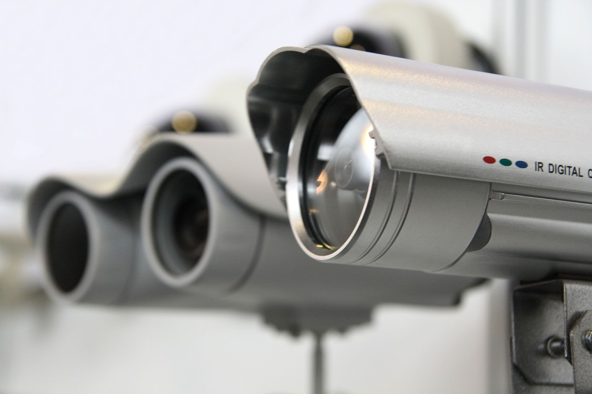 Choosing The Right Cctv For Your Home Wireless Home Security Best Security Cameras Home Security Systems