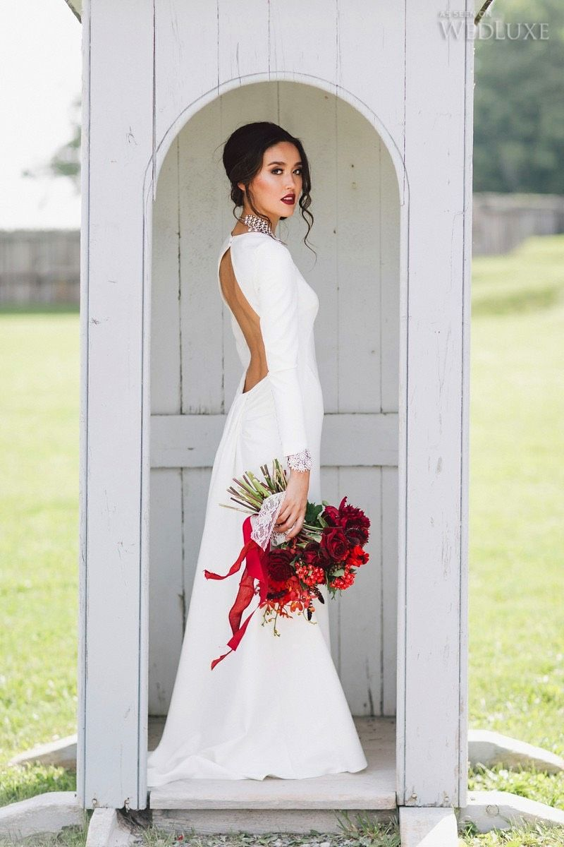 In celebration of Canada Day, we're excited to share this red, white, and seriously stunning shoot with you! Photography by: Purple Tree Photography | WedLuxe Magazine