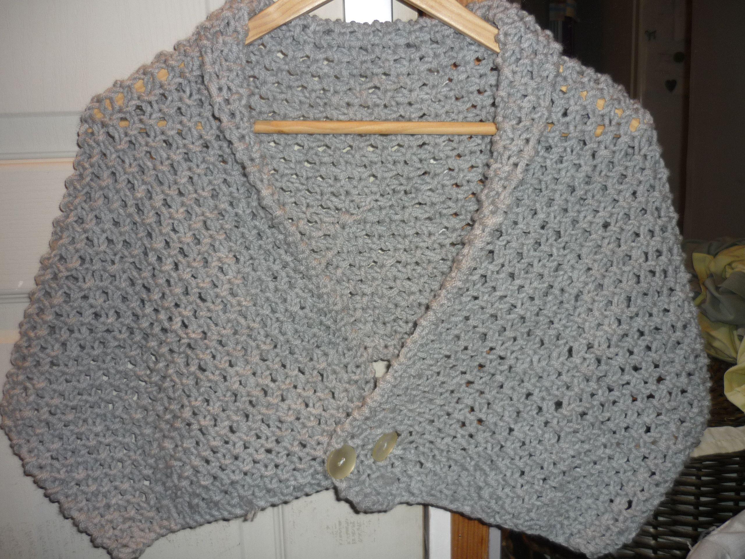Gilet chauffe épaules Facile À Tricoter, Tricot Facile, Tricot Et Crochet,  Cache Epaule 33f77f80fe5