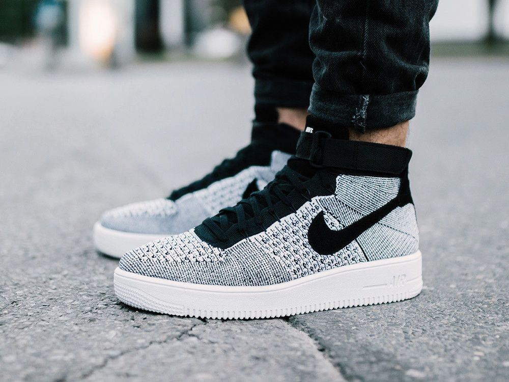 NIKE AIR FORCE 1 ULTRA FLYKNIT MID RETRO SNEAKERS BLACK