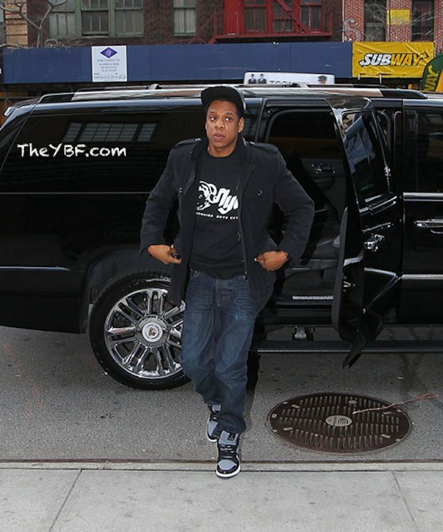 67d0e071d18f50 Jay-Z wearing Air Jordan 1 « Georgetown »