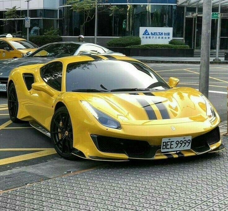 Ferrari F8 Tributo Yellow: Pin En Autos
