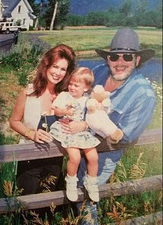 Hank Jr, his third wife Mary Jane Thomas and daughter Katie