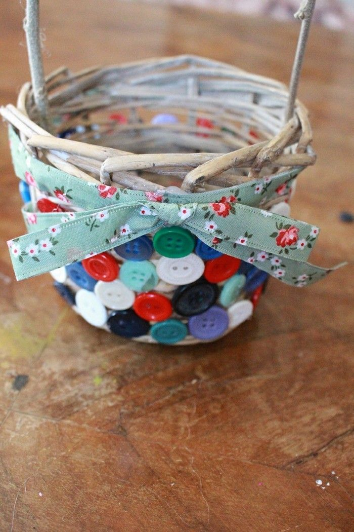 Cute Diy Deco Idea Easter Basket With Buttons Decorate