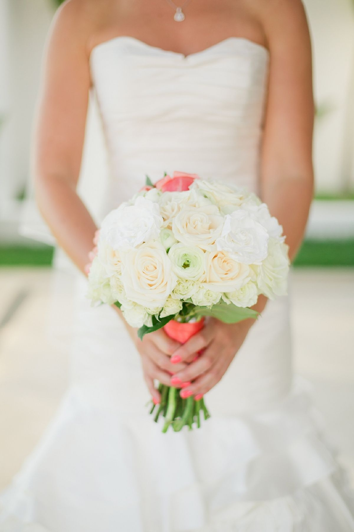 White bouquet with a pop of pink. Los Cabos Wedding Sara Richardson Photography  Read more - http://www.stylemepretty.com/2013/11/04/los-cabos-wedding-sara-richardson-photography/