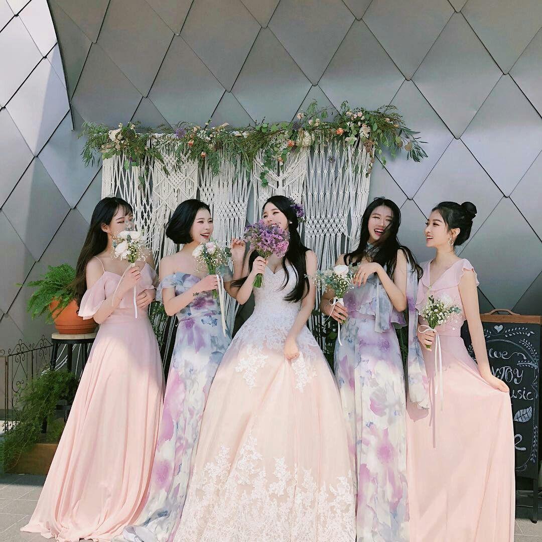 Girls squad  Pakaian pernikahan, Pengantin, Foto perkawinan pantai