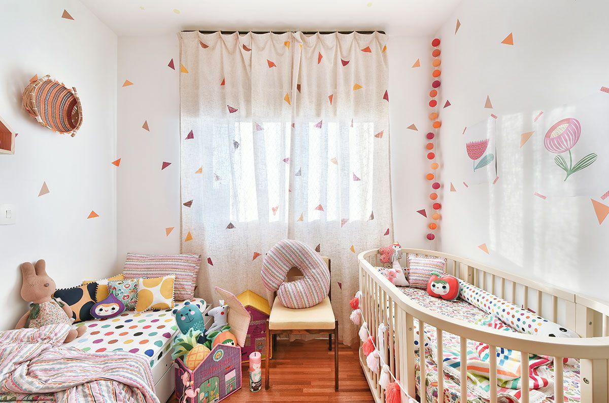 Quarto De Beb O Quarto Da Minha Thereza Ber O Oval Menina  ~ Decoração De Quarto Com Luzes E Quarto Simples Para Bebe