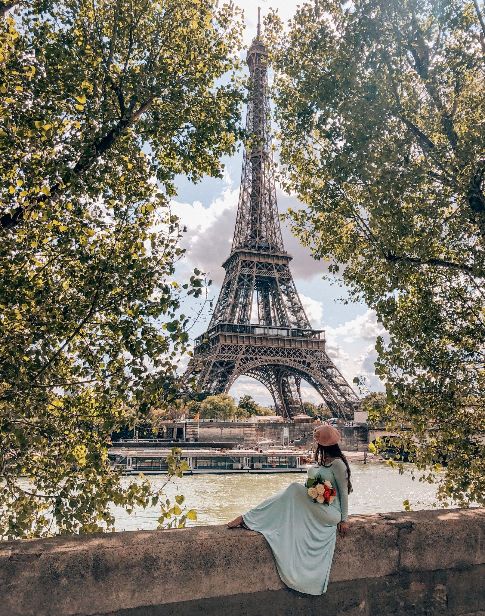 12 Best Photo Spots in Paris For Epic Instagram Shots - Quais de Seine