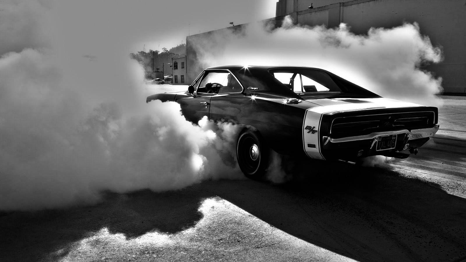 23022 Muscle Car Burnout Full Hd Pics Wallpaper Muscle Car Muscle Cars Carros