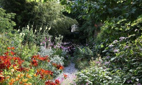 Path Through Dan S Garden Dan S Garden Dan Pearson Studio Dan Pearson Faeries Gardens Gorgeous Gardens