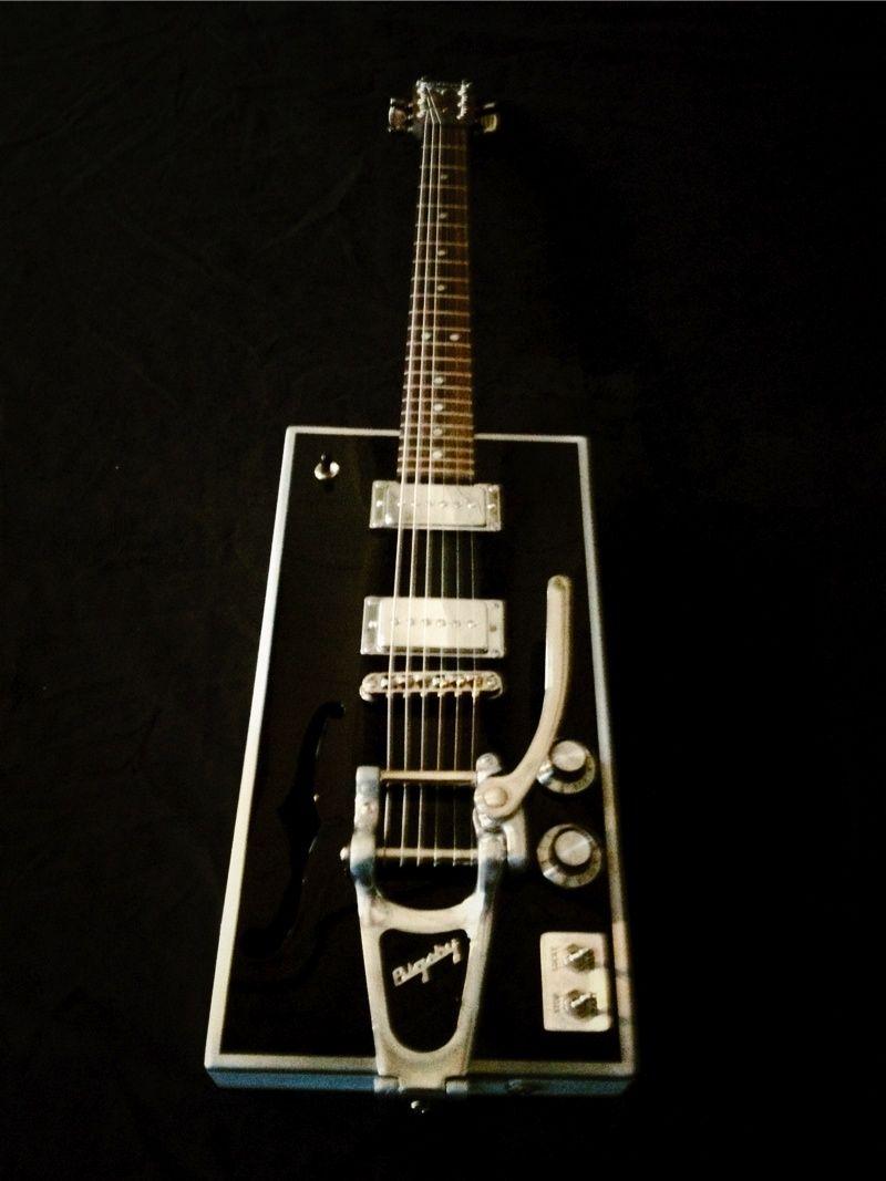 meloduende guitars | Cigar Box Oil Can Guitars, Ukes etc ...