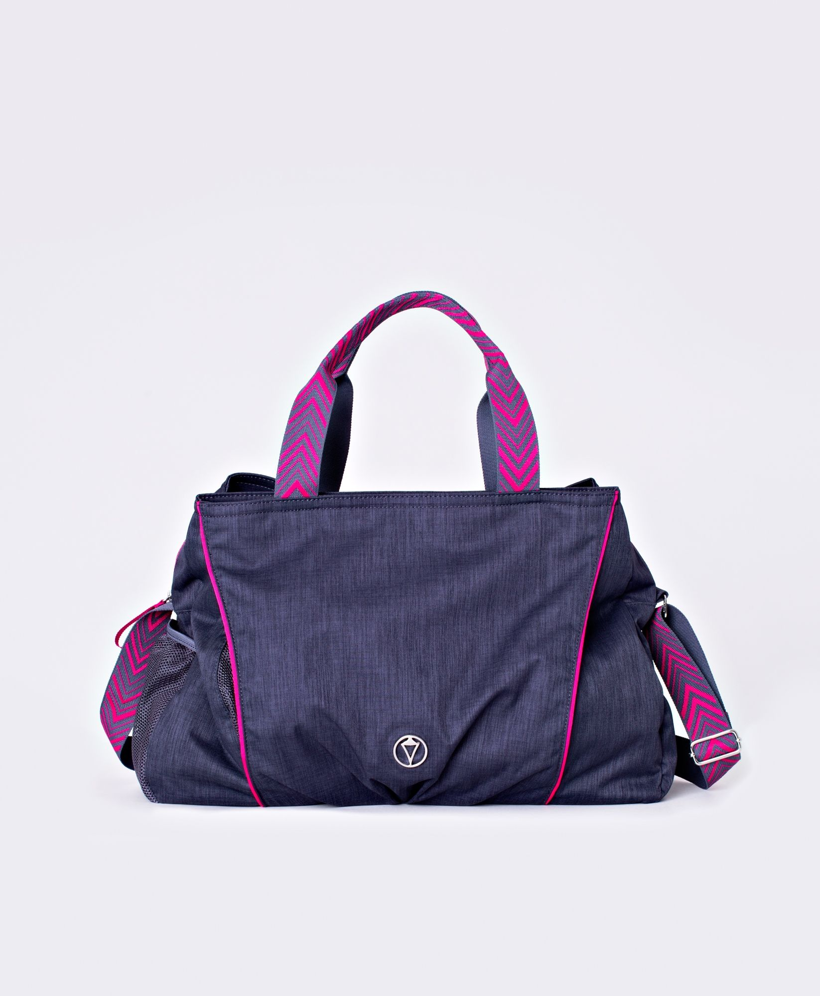 I know this is for kids but I think it would work well for my gym bag too    ) 3c20f61fa3826